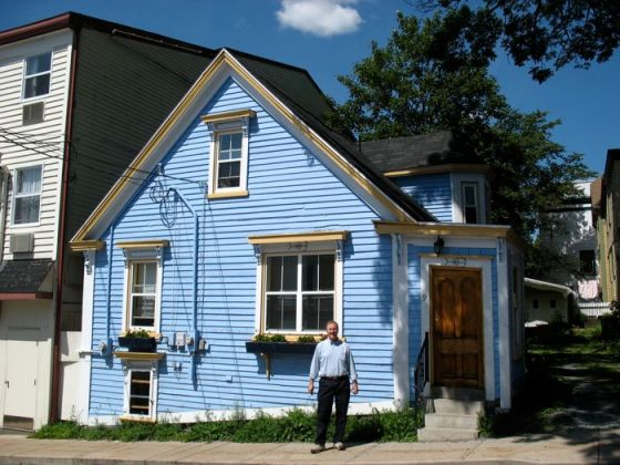 Lunenberg Blue House