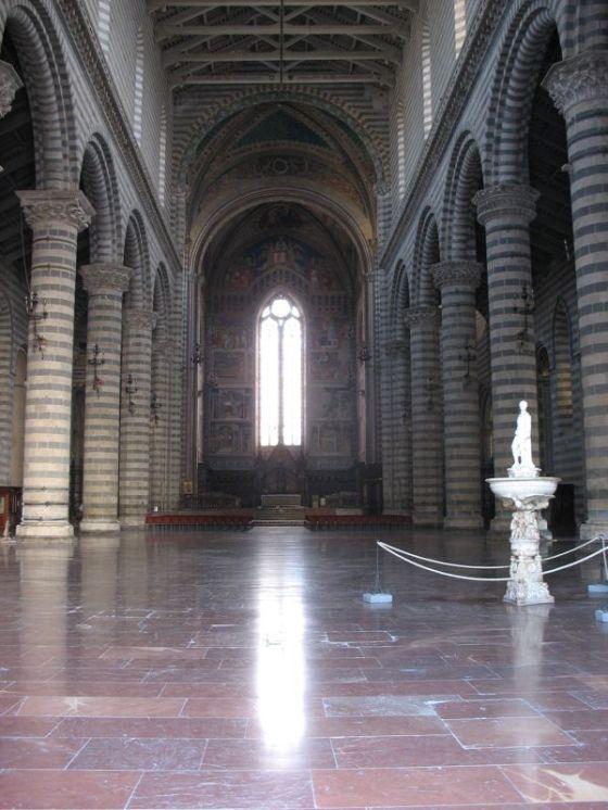 Orvieto Duomo Int1