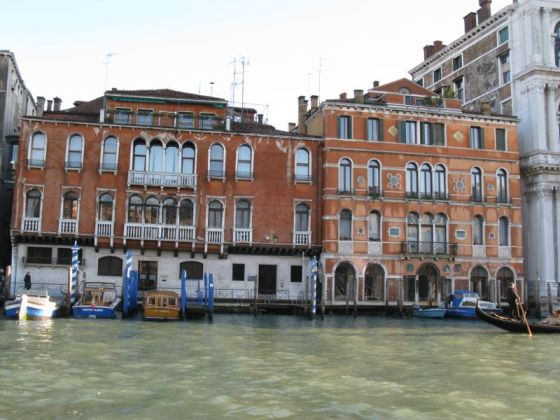 Venice Building on Canal2