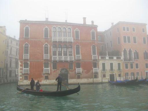 Venice grand canal foggy3