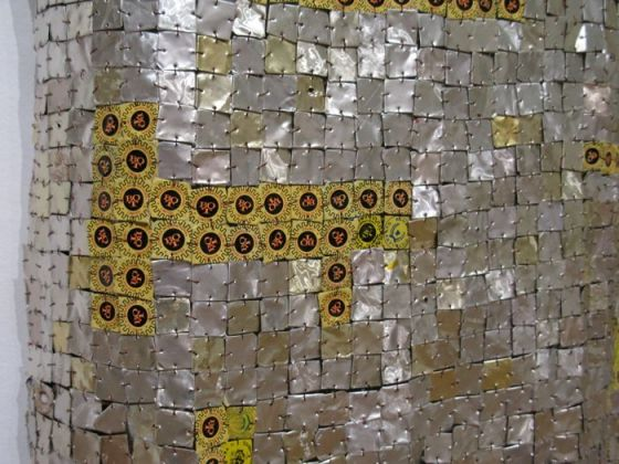 ElAnatsui bottle tops