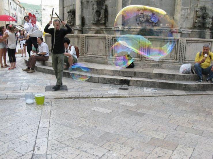 Dubrovnik_bubble man