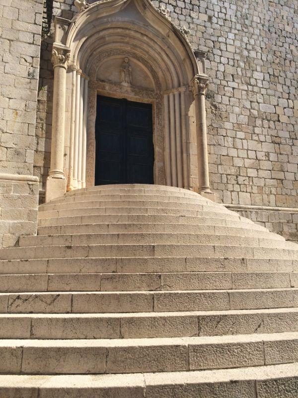 Dubrovnik_Steps to Church