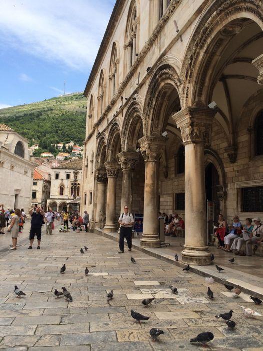 Tourist and Arcade_Dubrovnik