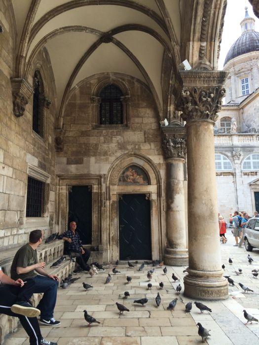 Under the Arcade_Dubrovnik