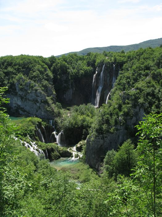 Plitvice Looking Up Canyon6