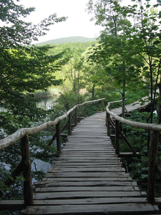 Plitvice13_path to lake