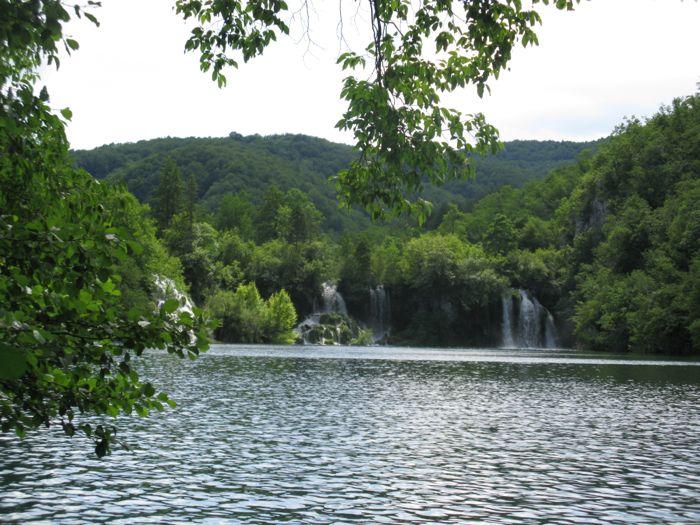 Plitvice6d_falls view