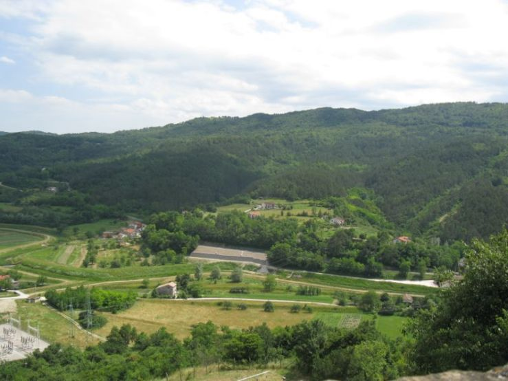 Buzet1k_countryside