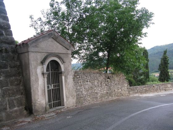 Buzet1n_little gate