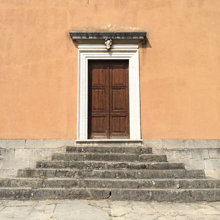 Buzet4_church door