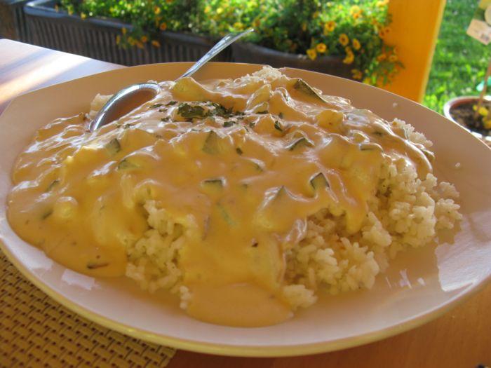 House Tina_rice with sauce