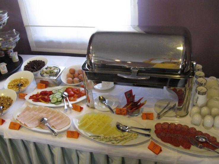 Vela Vrata_breakfast buffet2
