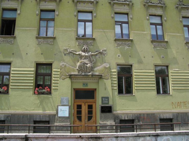 Ljubljana_Art Deco Building2