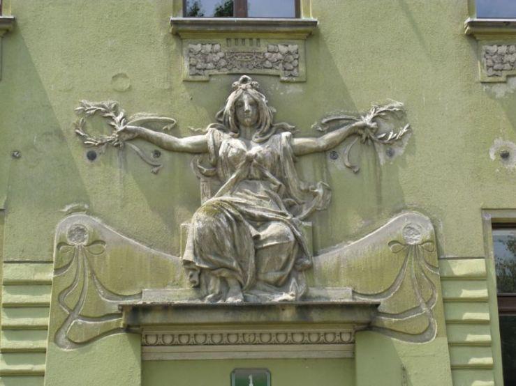 Ljubljana_Art Deco Building2a