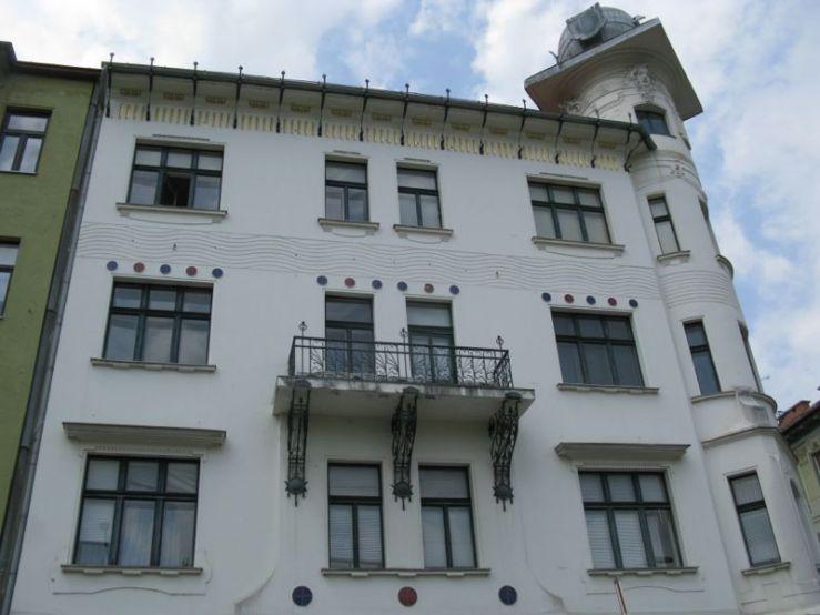 Ljubljana_Art Deco Building3