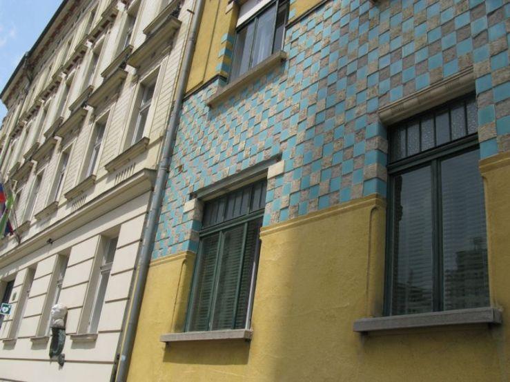 Ljubljana_Art Deco Building5a