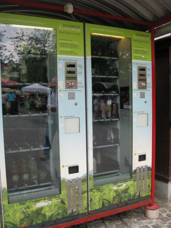 Ljubljana_market square5 dairy vending machine