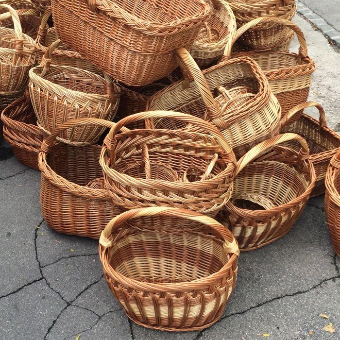 Ljubljana_market square6 baskets