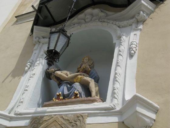 Ljubljana_St Nicholas outside niche