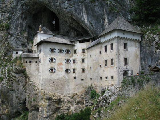 Slovenia_8a Predjama Castle