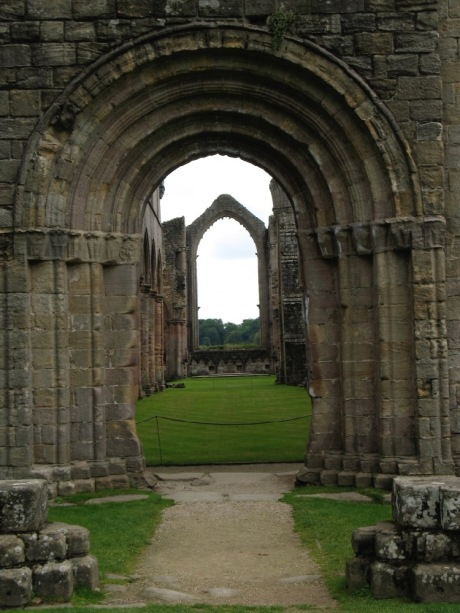 FountainsAbbey2008_3.jpg