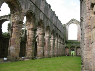 FountainsAbbey2008_6.jpg
