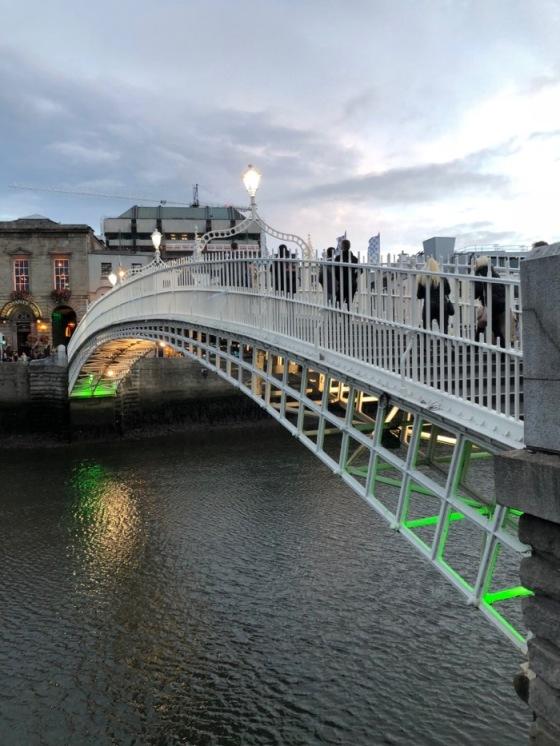 HaPenny Bridge_2.jpg