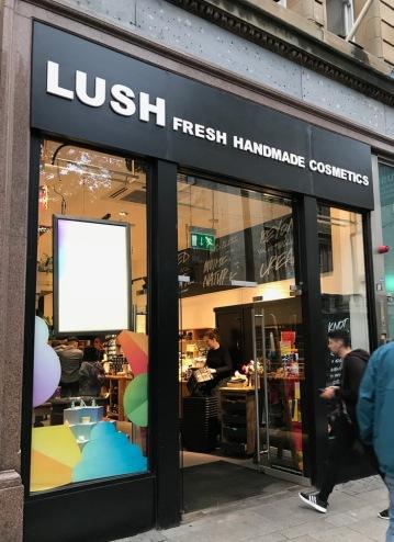 Store_lush