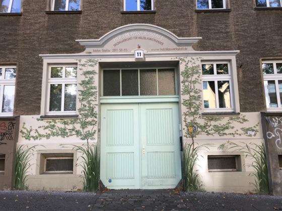 Berlin doors_1