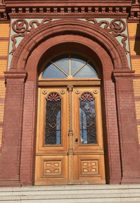 Berlin doors_11