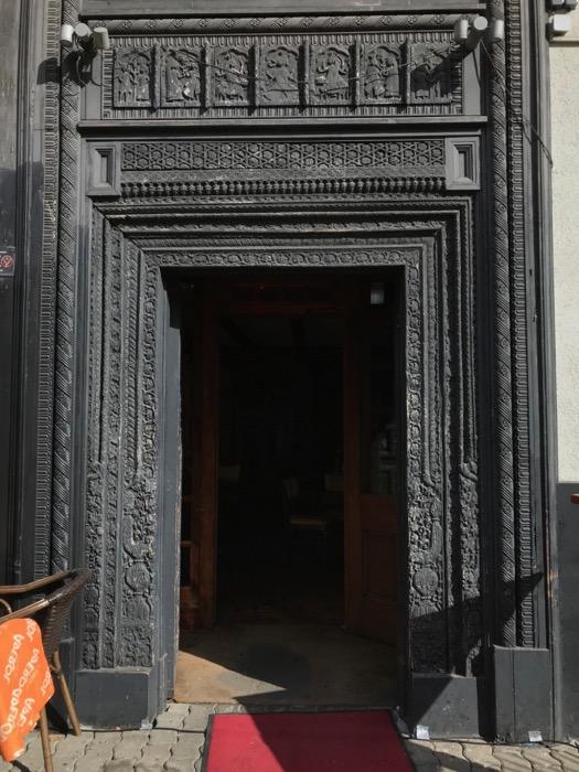 Berlin doors_12