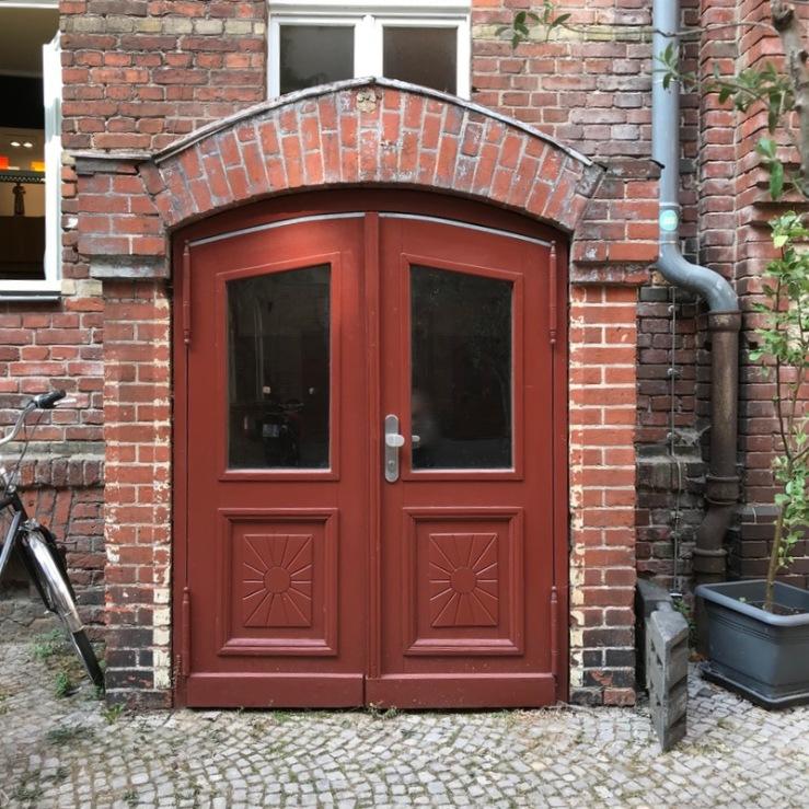 Berlin doors_16