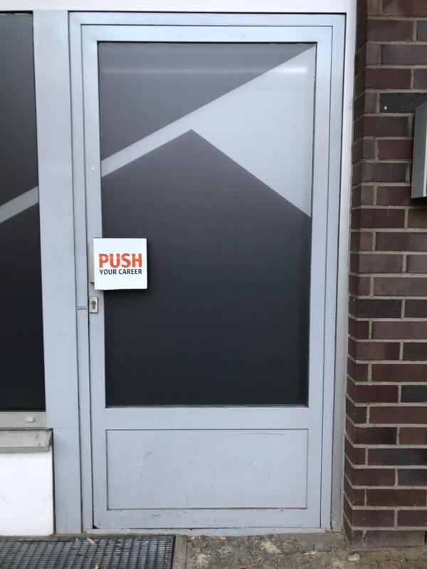Berlin doors_17