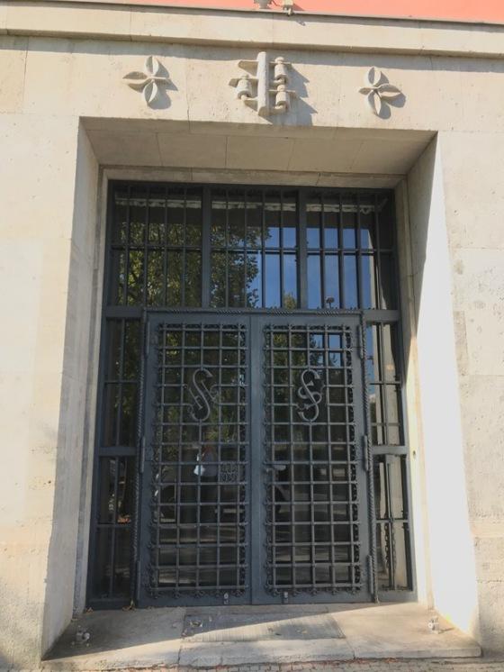 Berlin doors_8