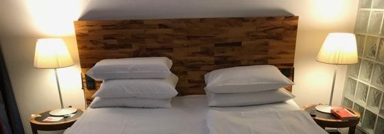 Berlin 7_5 more pillows